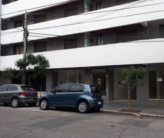 permuto dos locales en la ciudad de córdoba