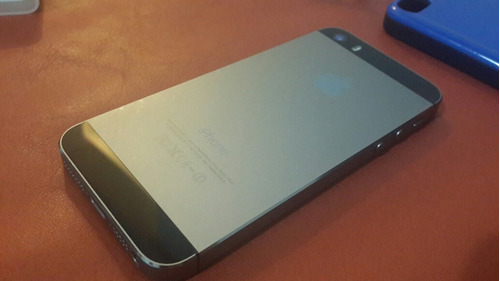 ceed69ab504 Permuto Iphone 5s Libre De Origen Impecable + Accesorios - $ 5.480 ...