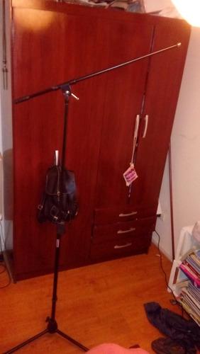 permuto microfono, araña y atril por camara semiprofesional