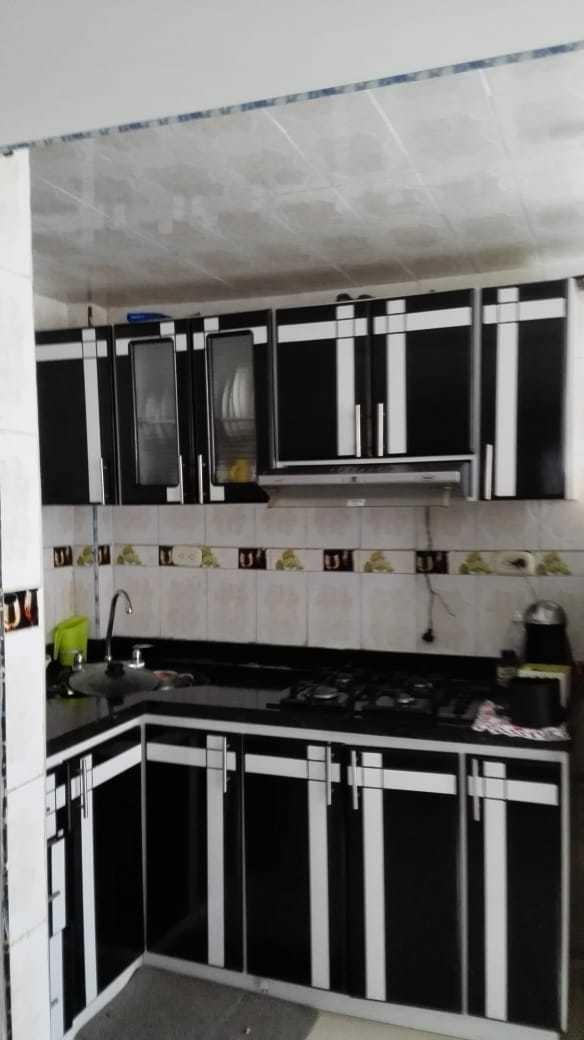 permuto por casa apartamento de 3 habitaciones en 1 piso.