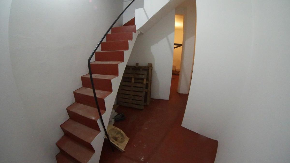 permuto/venta local sobre  av.san martin .villa devoto