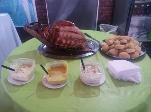 pernil cerdo grande  + panes + salsas - pata de ternera