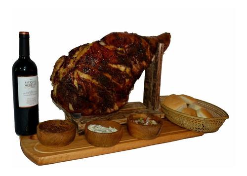 pernil de cerdo + 2 kg pan + 3 salsas+ tabla de presentación