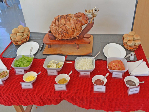 pernil de cerdo o ternera a domicilio+aderezos,salsas,pan!!