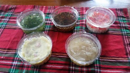 pernil de cerdo para 25/30 personas, 5 salsas, panes