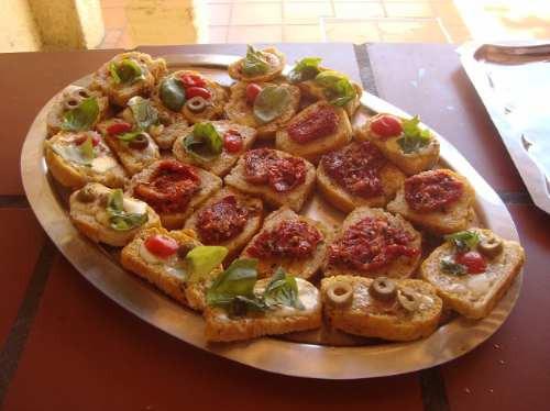 pernil, pizza, pastas, postre, cafe / pizza party