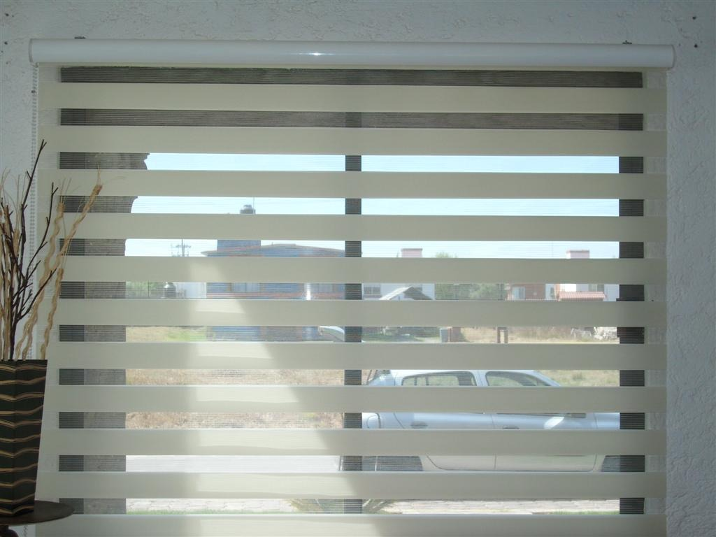 Persianas cortinas sheer elegance enrollable a 599 m2 14 for Persianas de plastico enrollables