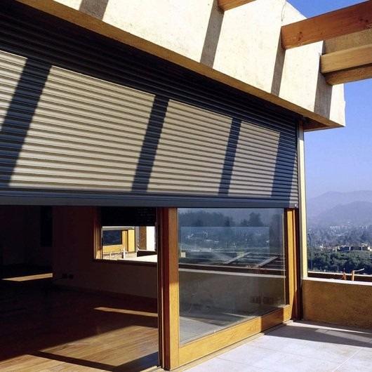 Persianas de exterior en color madera en - Persianas madera exterior ...