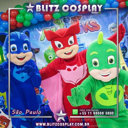 personagens vivos mickey e minnie, bita, homem aranha, moana