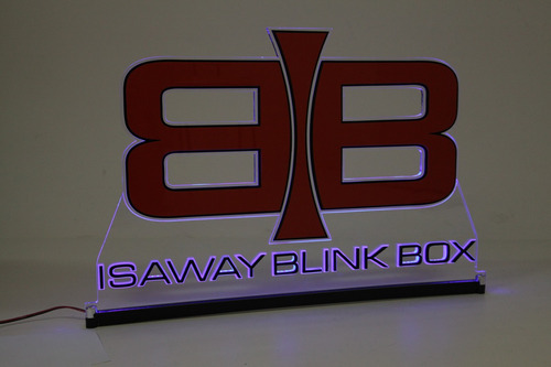 personalizamos sua marca em acrílico 8mm com led
