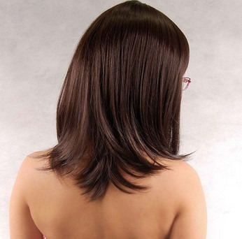 peruca castanho/ 45 cm/ com ajuste / aceita temperatura!