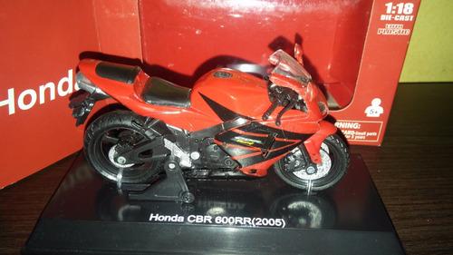 perudiecast moto new ray honda cbr 600rr-2005 escala 1:18
