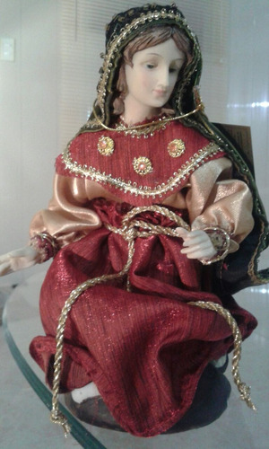 pesebre o nacimiento vestido en tercipelo