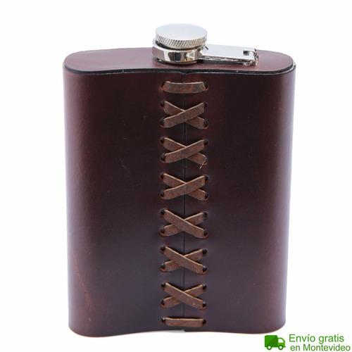 petaca emele cuero acero marrón negro regalo original