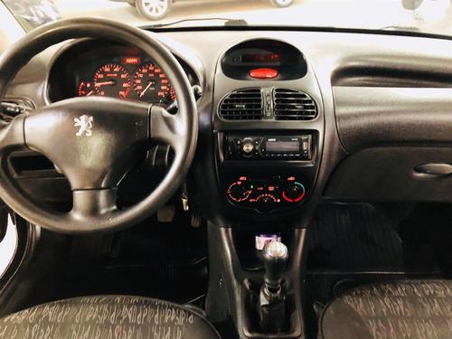 peugeot 206 1.4 holiday 8v gasolina 4p manual