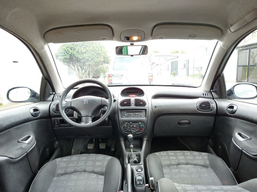 peugeot 206 xr confort 1.400 hatchback 5p a.a.