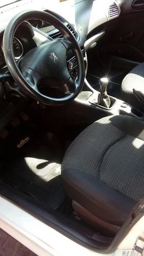 peugeot 207 1.4 sedan active 75cv 2013