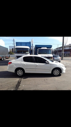 peugeot 207 1.4 sedan allure 75cv 2011