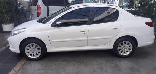 peugeot 207 1.4 sedan allure 75cv 2014