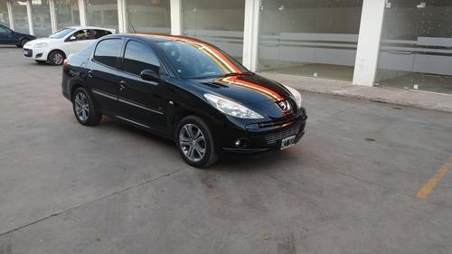 peugeot 207 1.4 sedan feline hdi 70cv 2013