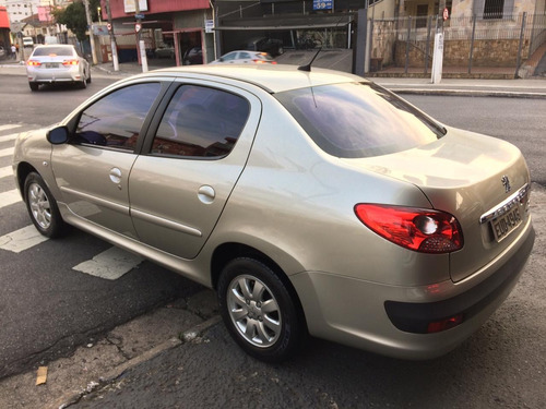 peugeot 207 1.4 sedan  passion xr ano 2011