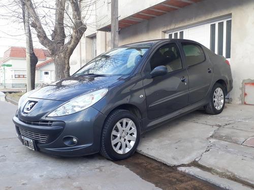 peugeot 207 1.6 sedan xt 2011