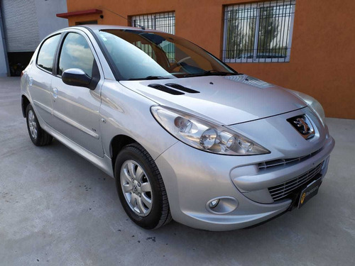 peugeot 207 allure 1.4 hdi 2012 5 puertas diesel moreno