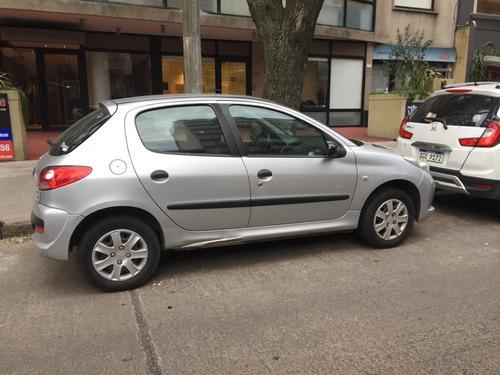 peugeot 207 compact 1.4 5 puertas impecable original frances