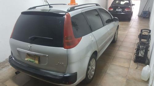 peugeot 207 compact familiar- 2011 -80000 km!!