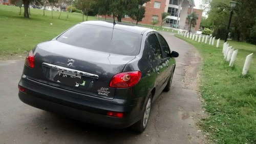 peugeot 207 compact sedan 4 puertas.