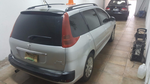 peugeot 207 compact sw , mod 2011 impecable