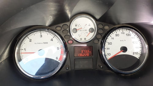 peugeot 207 compact xs 1.4 hdi año 2012 en muy buen estado.