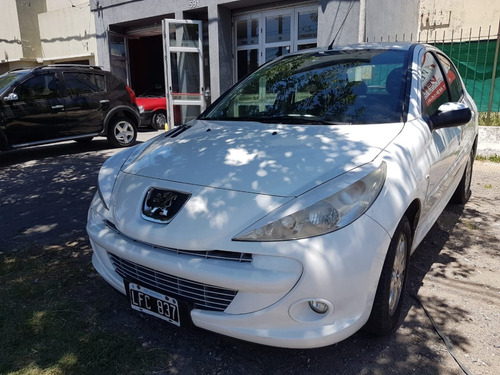 peugeot 207 compact xs 1.4 mym