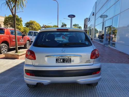 peugeot 207 xs compact 5p plata 2010 213.000 km roas