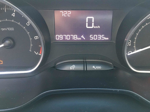 peugeot 208 1.5 allure touchscreen 2015