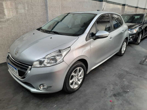 peugeot 208 1.5 allure touchscreen 2016