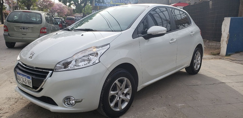 peugeot 208 1.5 allure touchscreen