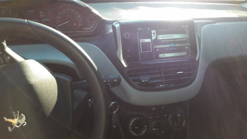 peugeot 208 1.5 touchscreen 2014 60mil km reales