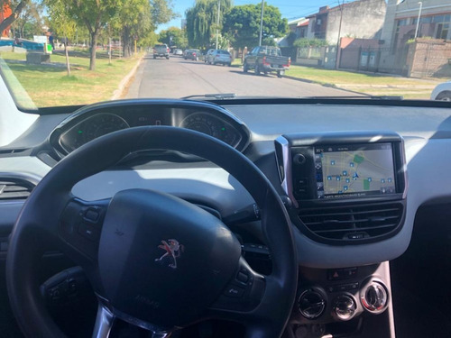 peugeot 208 1.5 touchscreen impecable 2016 permuto o conta