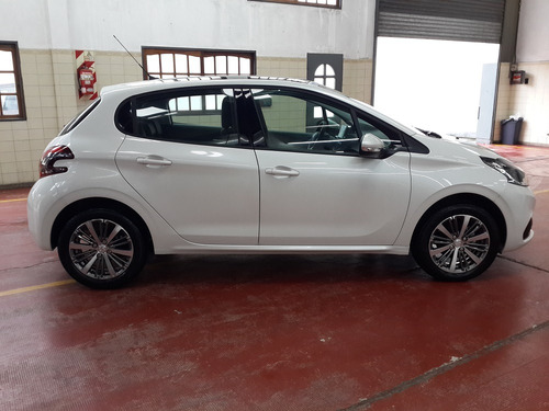 peugeot 208 1.6 allure caja manual
