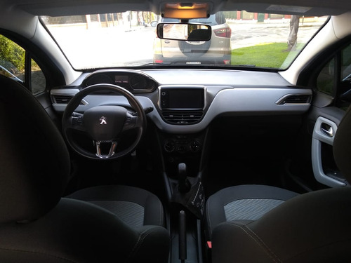 peugeot 208 allure 1.5 touchscreen / nafta / 2016
