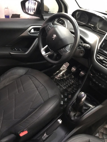 peugeot 208 feline pack cuir - impecable!