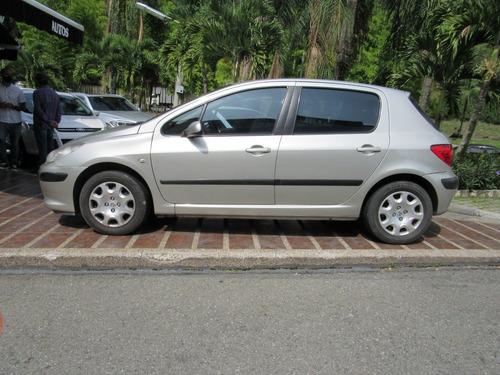 peugeot 307 xs mt hatchback cc1600
