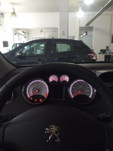 peugeot 308 allure 1.6 touch screen