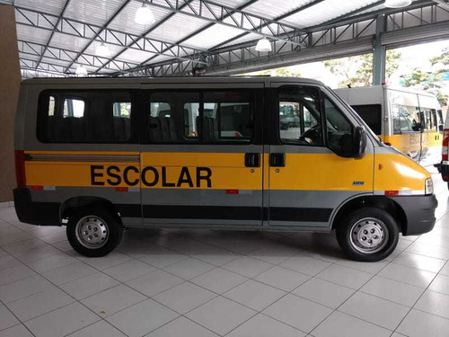 peugeot boxer 2.3 minibus 2013 escolar