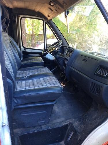 peugeot boxer 320 m turbo diesel vidriada con asientos