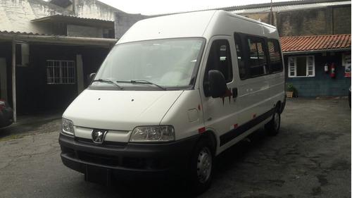 peugeot boxer minibus 2014 15 lugares completa