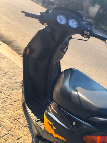 peugeot buxy ( scooter negra ) unica dueña