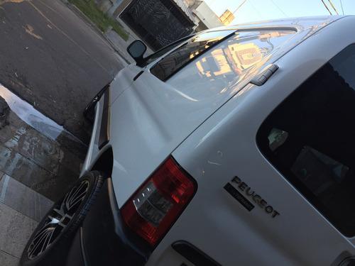 peugeot partner 1.4 presence furgon aire/direccion  gnc 5°