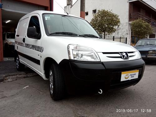 peugeot partner 1.6 furgon presence hdi aa 2015